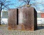 Empty plinth in Berlin